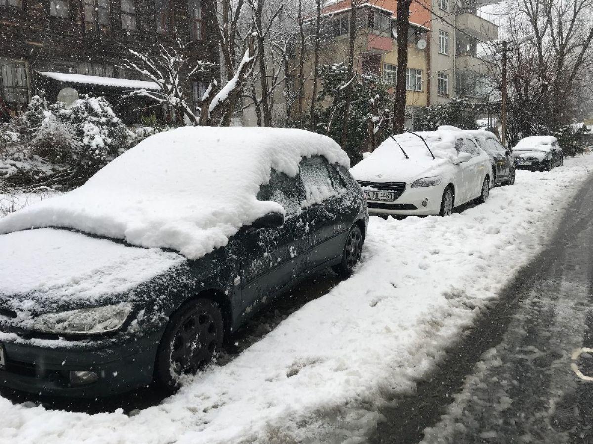 Beykoz'da kar kalınlığı 20 santimi buldu #5