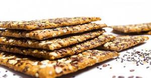 Diyet Yapanlar İçin Kalorisi Düşük Ara Öğün: Çekirdekli Kraker Tarifi