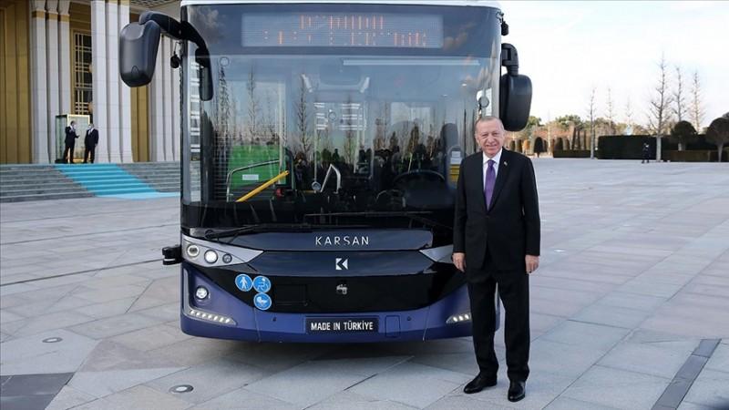 Erdoğan, sürücüsüz otobüsün ilk yolcusu