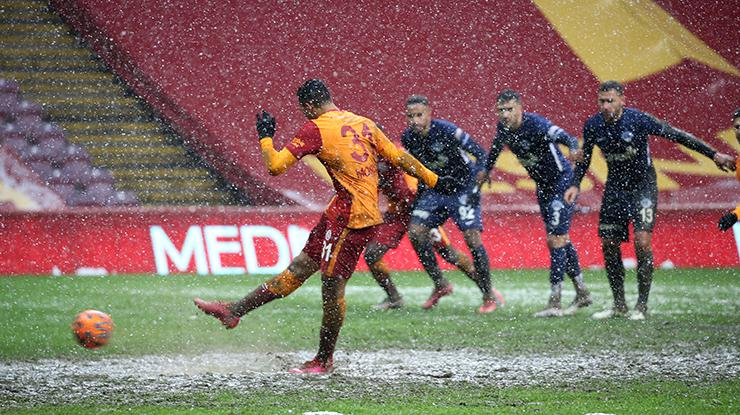 Galatasaray penaltı kaçırmıyor! 10da 10