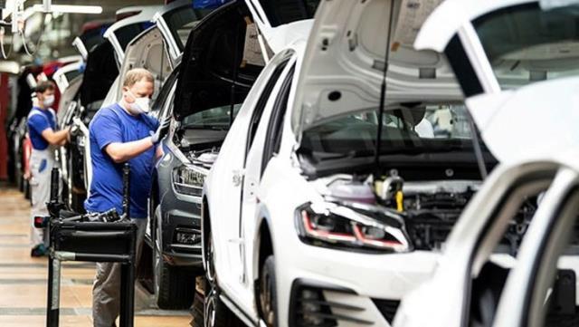 Alman otomotiv devi Volkswagen, 4 bin kişiyi işten çıkaracak