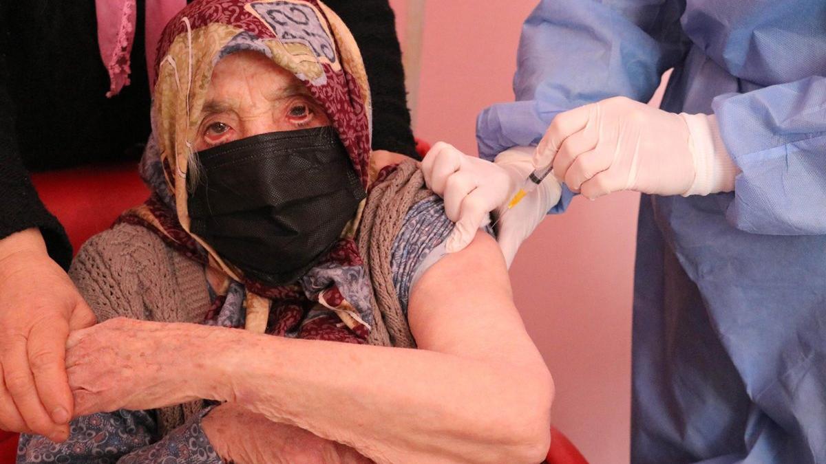 103 yaşında corona aşısı oldu, tavsiyede bulundu