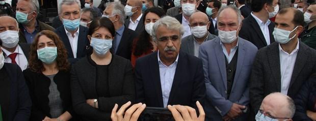kobane-davasi-durusmada-gerginlik-avukatlar-mahkeme-salonunu-terk-etti-869001-1.