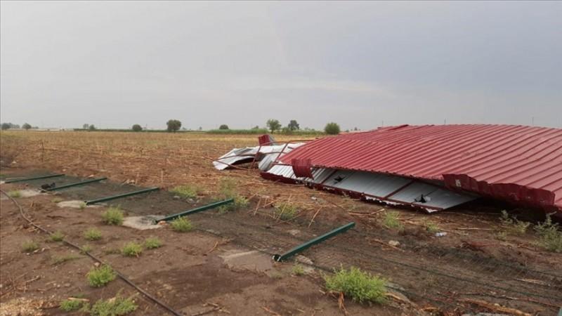 Kozan'da fırtına ve sağanak etkili oldu